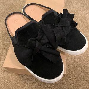 UGG Luci Bow Black Suede Slide Size 8.5